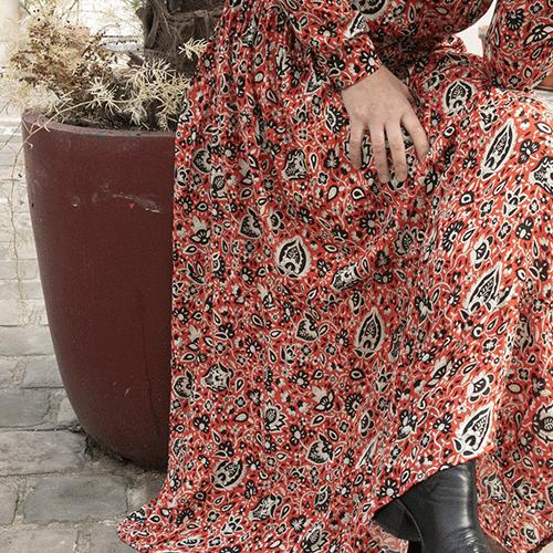 """Robe Longue en viscose, """"Venise"""", imprimée fleurs, rouge, noire, écru – HOD"""